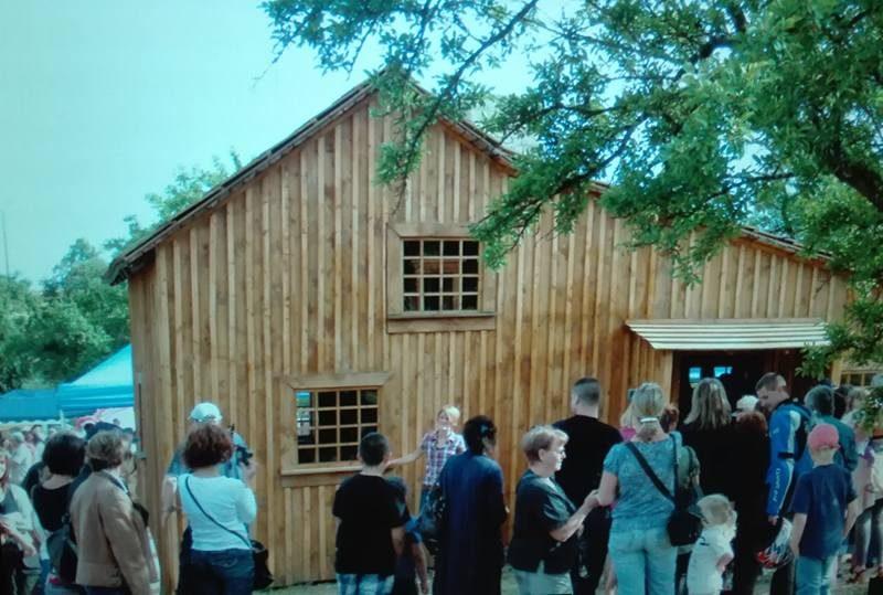 Little House Replica – France